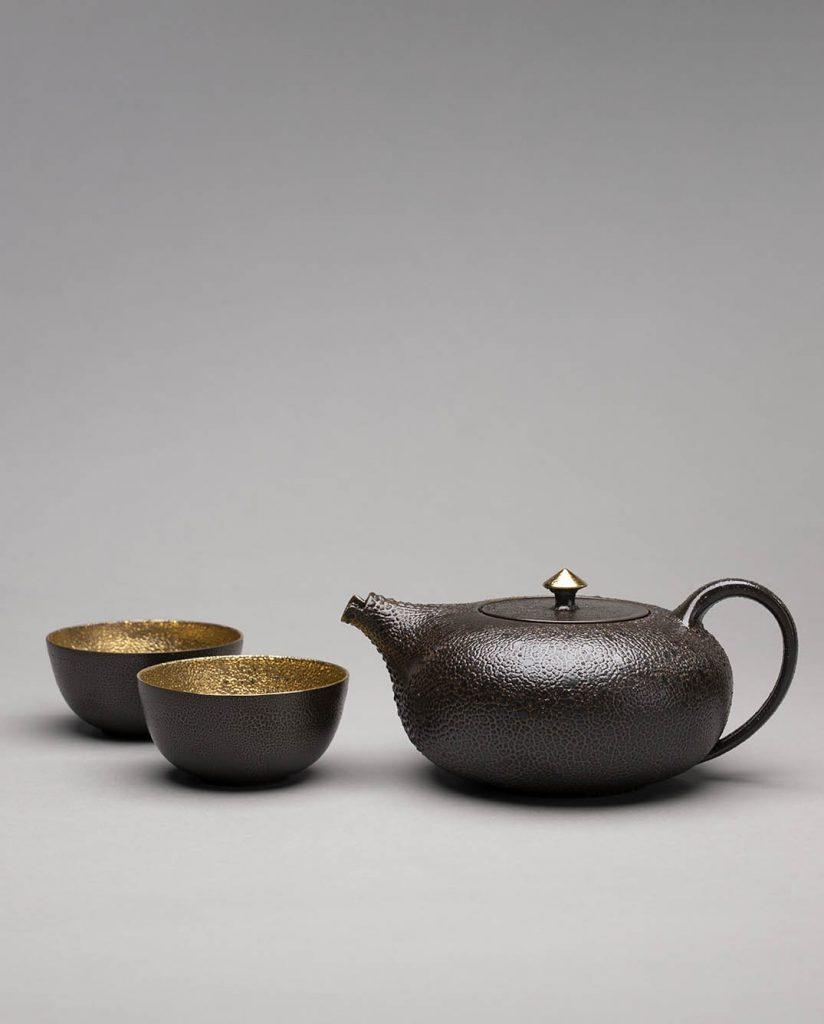 Landbeck Keramik Geschirr-Set Gold Schwarz Kanne und Schalen Schrumpfglasur