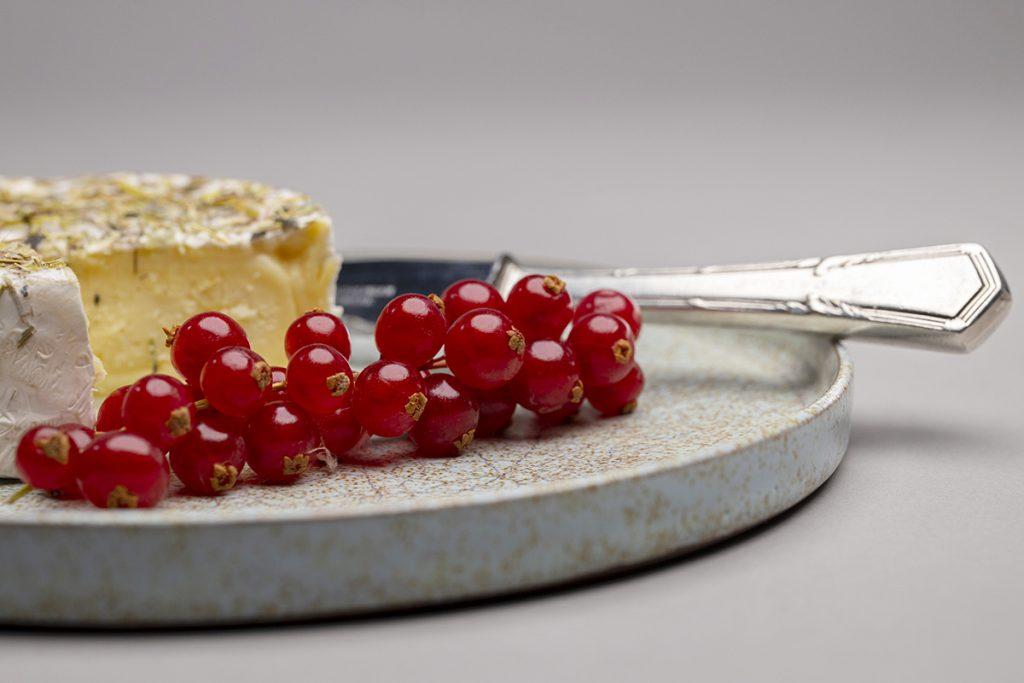 Landbeck Keramik Tableware Teller rote Johannesbeeren