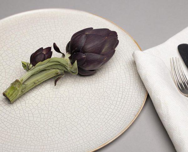 Landbeck Keramik Teller Beige Krakelee Serviette